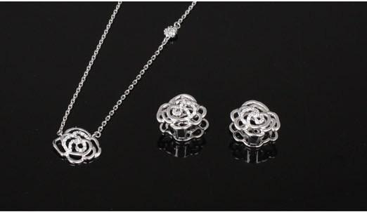 Double Roses White Set cercei si colier-big
