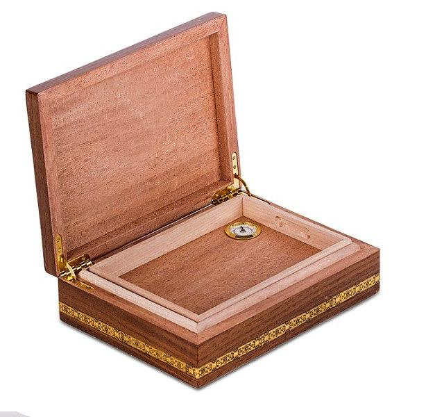 Set Humidor Wiston Churchill by Credan si Butoni Gold Round by Credan 3
