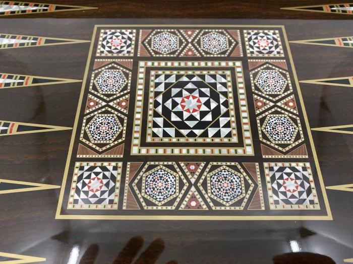 Joc de SAH si TABLE cu insertii de sidef, piese sah din metal AURII/ARGINTII sculptate manual, calitate premium 10