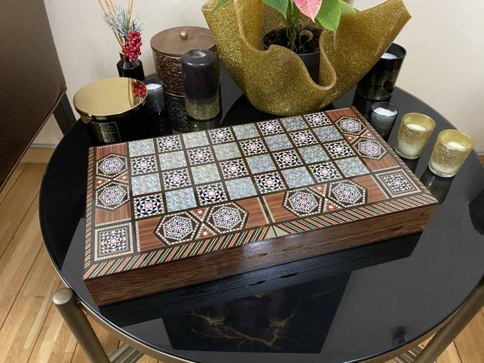Joc de SAH si TABLE cu insertii de sidef, piese sah din metal AURII/ARGINTII sculptate manual, calitate premium 12