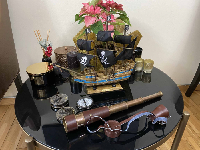 Pirates of the Seas: macheta corabie pirati, luneta functionala, busola + ceas solar functionale [4]