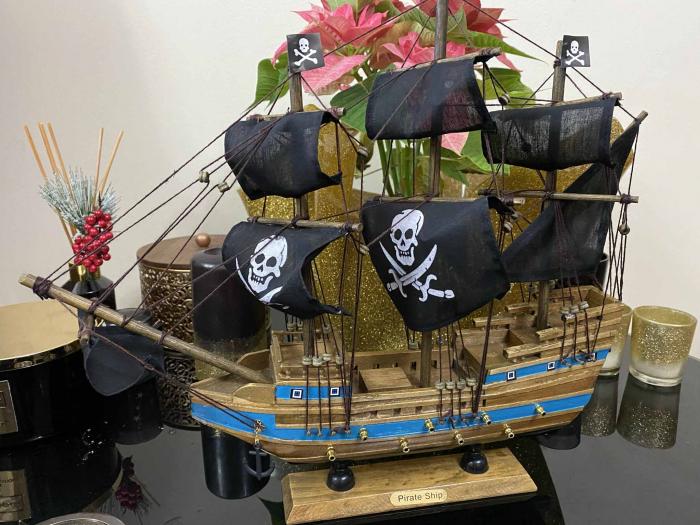 Pirates of the Seas: macheta corabie pirati, luneta functionala, busola + ceas solar functionale [7]