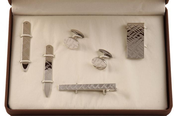 Cadou Purple & Silver Accessories by Jos Von Arx 2