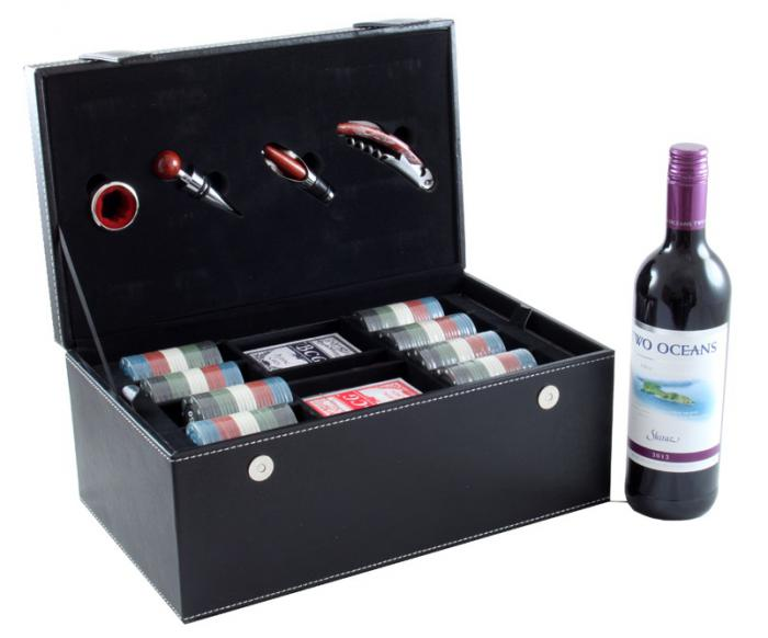 Wine & Games Set with Two Oceans 0
