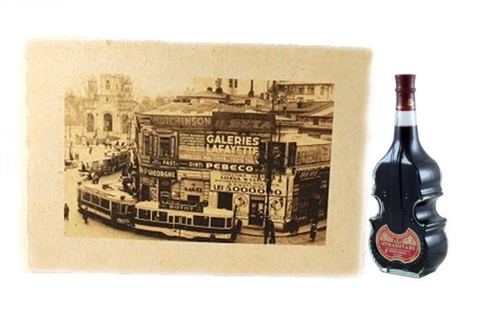 Schiţă Micul Paris pe Hârtie Manuală & Stradivari Nectar 0
