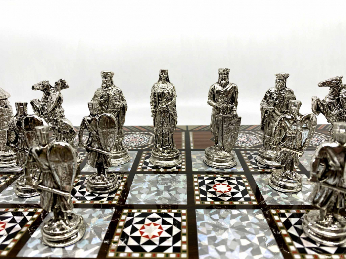 Joc de SAH si TABLE cu insertii de sidef, piese sah din metal AURII/ARGINTII sculptate manual, calitate premium 3