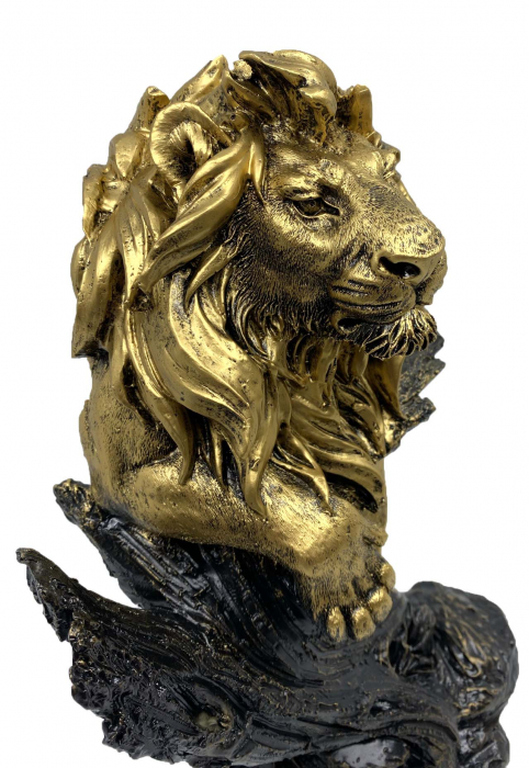Magnificent Lion King [2]