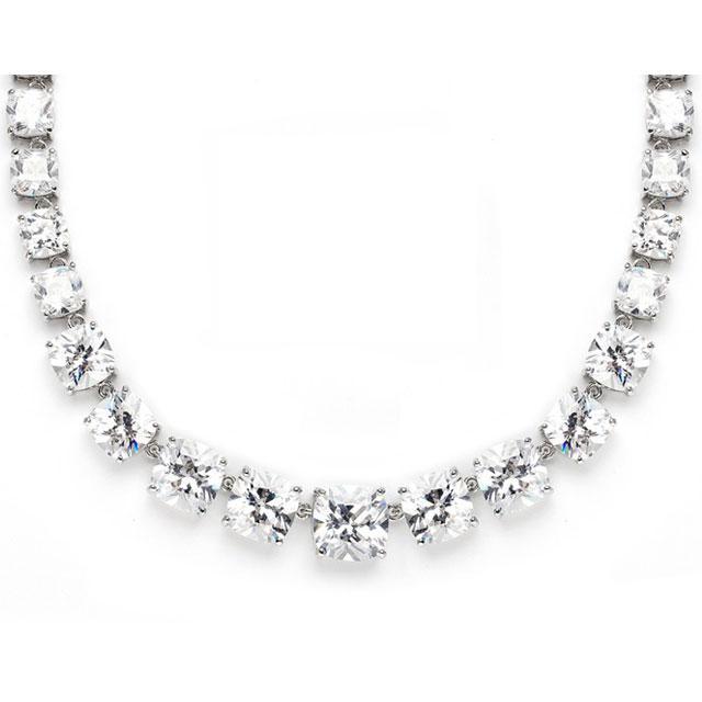 Majestic Medalion şi cercei Diamonds 1