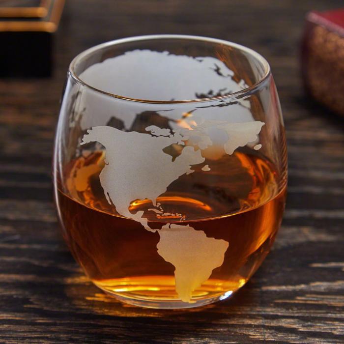 Cadou Decantor cu Patru Pahare Glob World & Suport Lemn [3]
