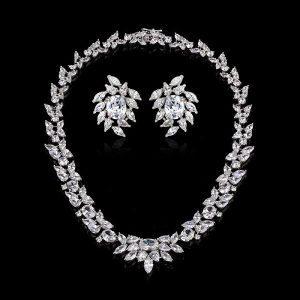 Set Cercei şi Colier Luxury Bridal Borealy 1