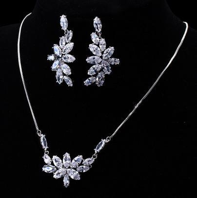 Set Borealy Crystals Colier si Cercei Delice Luxury 2
