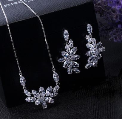 Set Borealy Crystals Colier si Cercei Delice Luxury 3
