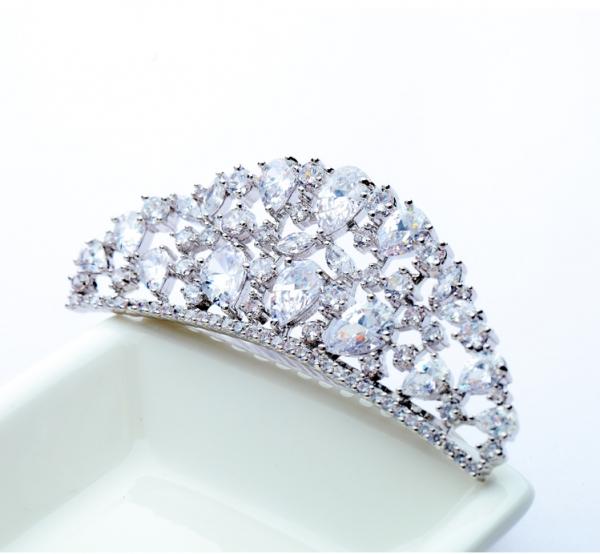 Tiara Borealy Luxury Bride Pieptane 2