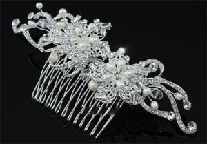 Agrafa Borealy Natural Pearls Bouquet1