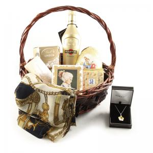 Golden Lady Gift Basket0