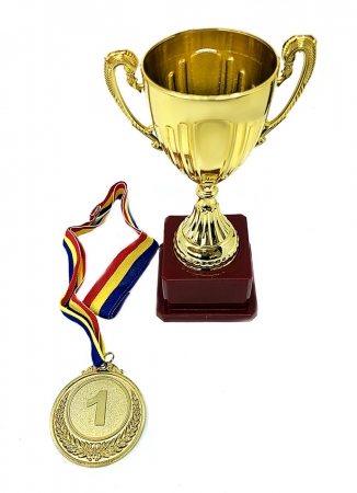 Set Cadou Personalizabil Trofeu si Medalie