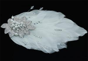 Agrafa Borealy Pearl Feather4