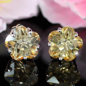 Cercei Borealy Sapphire Studs Flower Cut Amber3