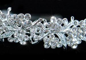 Tiara Borealy Luxury Wedding [3]