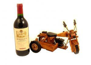 Motorcycle Wine Holder & Bordeaux0