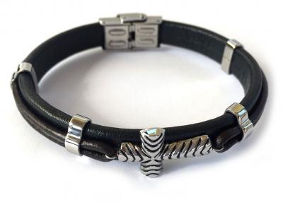 Brăţară Borealy Black Leather & Silver Cross Accents1