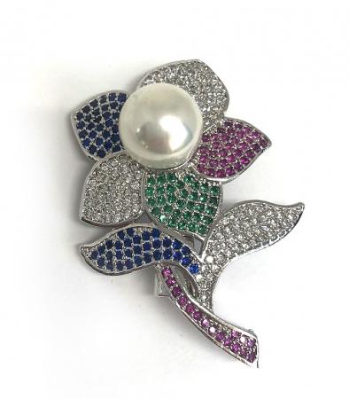 Broşă Pearl Flower White0