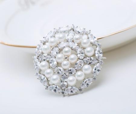 Broşă Borealy Crystal Round Pearls4