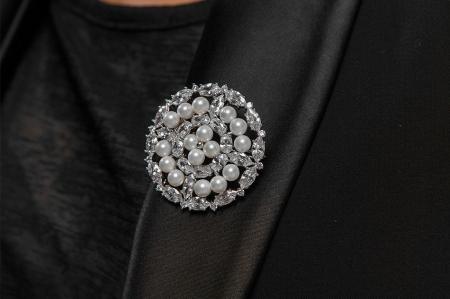 Broşă Borealy Crystal Round Pearls2