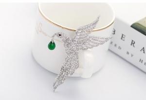Broşă Eagle Emerald Drop by Borealy2