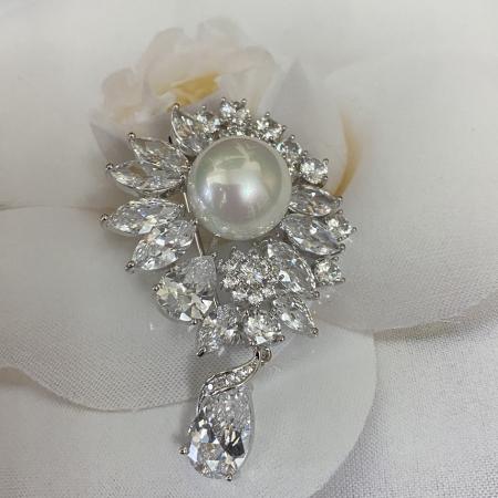 Brosa Pearl Blooming1