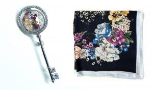 Brosa Secret Garden Key & Esarfa Borealy Flowers Blue0