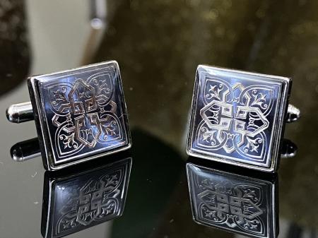 Butoni Silver Celtic Knot Cross1