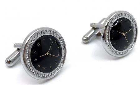 Butoni Noir Clock by Borealy [1]