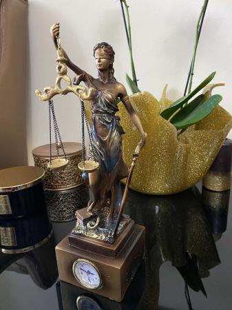 """Cadou statuetă """"Timpul Justiţiei"""" - 33 cm inaltime + CEAS [1]"""