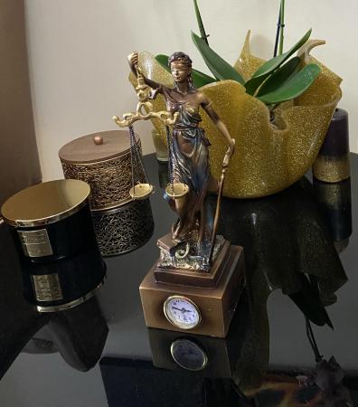 """Cadou statuetă """"Timpul Justiţiei"""" - 33 cm inaltime + CEAS [2]"""