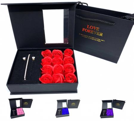 12 Trandafiri de Sapun & Bijuterii Borealy - Cadou 8 martie0