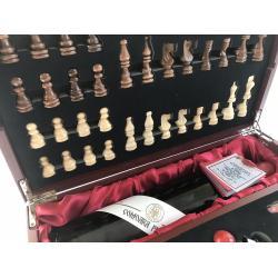 Cadou Wine 2004 & Chess2