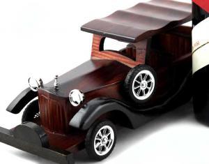 Cadou Oenoteca Vintage Car1