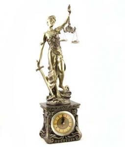 """Cadou Statuetă şi Whisky  """"Teacher's Justice""""1"""