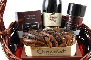 Sangre de Toro Luxury Gift Basket & Butoni Barbati6