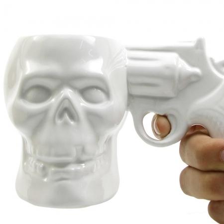 Cana Skull Syringe Mug by Borealy