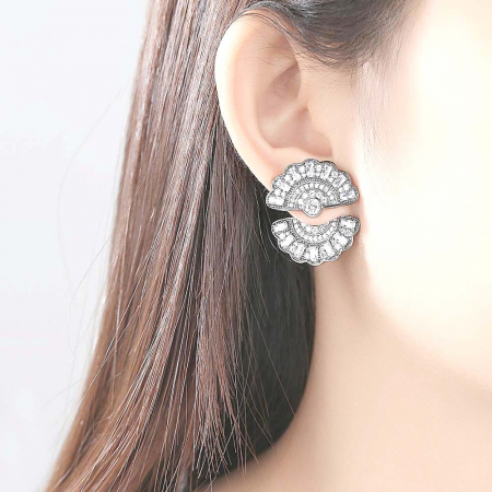Cercei Borealy Ear Cuff Fan1