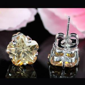 Cercei Borealy Sapphire Studs Flower Cut Amber2