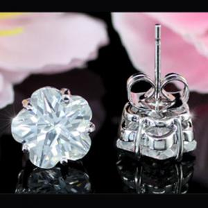 Cercei Borealy Sapphire Studs Flower Cut4