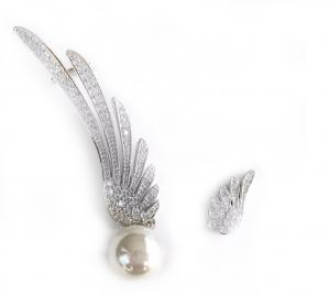 Cercei Borealy Asimetrical Wings