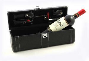 Cutie Royal Black de vin cu accessorii0