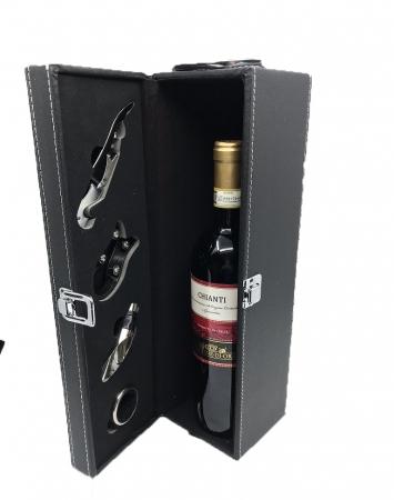 Cutie Vin Black cu 4 Accesorii Bordeaux0