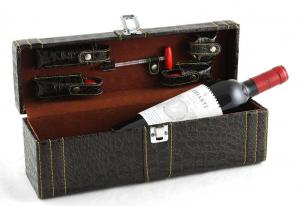 Cutie accesorizată de vin din piele Royal Brown0