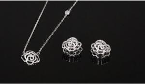 Double Roses White Set cercei si colier6