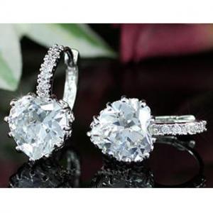 Cercei Borealy Sapphire Heart White2